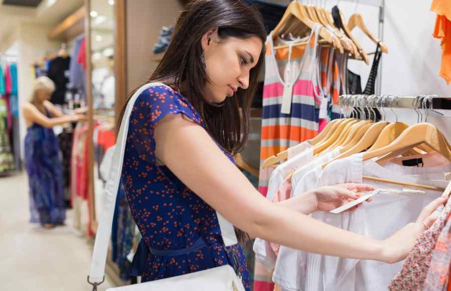 como atrair clientes para loja de roupas femininas